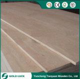 Contre-plaqué commercial 1220X2440mm de meubles de pente du faisceau E1 d'Okoume de mélamine
