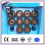 PLCはクイックチェンジのツールが付いている31.5MPa 3kw 4kwのホースのひだが付く機械を制御する