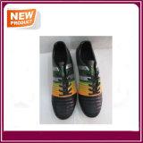 Im Freienfußball-Fußball-Schuhe für Verkauf