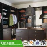 Kundenspezifischer hölzerner Schlafzimmer-Garderoben-Schrank