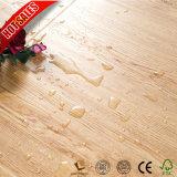 高品質の低価格の薄板にされた木のフロアーリングのカシ木