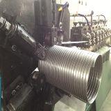 Tubo de escape enclavijado que hace la máquina