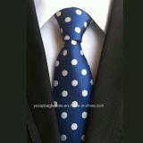 人のネクタイのための標準的なデザイン
