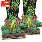 Großverkauf personifiziert kundenspezifisches Geschenk-Metallgoldkind-Cup-Sport-Preis-Kind-Medaillen-Medaillon-Farbband für Kinder