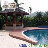 Revestimento de madeira duro resistente UV antiderrapante ao ar livre de WPC para a piscina