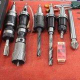 Foro d'acciaio del metallo che fa la macchina del trivello di CNC
