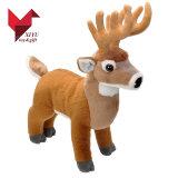Brinquedo material macio dos cervos do jardim zoológico de Velboa