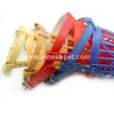 L'anti animale domestico del morso fornisce le museruole di plastica del cane, museruole dell'animale domestico