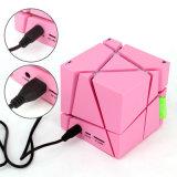 Altofalante mágico quadrado novo por atacado de Bluetooth do cubo com luz do diodo emissor de luz de Q um