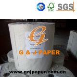 Tissus de couleur blanche le papier emballé dans la palette avec des prix bon marché