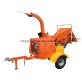 40HP木製の快活な機械ディーゼル、油圧挿入のYanmarの木製の快活なディーゼルを用いる木製の砕木機