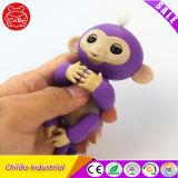 電子スマートな接触Fingerling対話型猿のおもちゃ