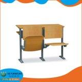 Mesa e cadeira fixa definida para a sala de aula do Colégio