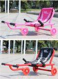 De Fabriek van China kronkelt zich de Plastic Muziek Triker van de Auto van de Schommeling van de Baby van Auto's
