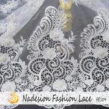 Tessuto del merletto di modo con i branelli del fiore 3D per il vestito da cerimonia nuziale nuziale