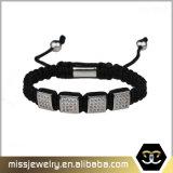 La CZ quadrata borda il braccialetto Braided, i braccialetti all'ingrosso Mjb042 del Macrame