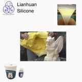 鋳造物のシリコーンゴムがPolyfoamを投げるのに使用されている