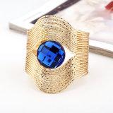 El oro multi de la tira de la capa plateó la pulsera del pun¢o con la joyería azul grande insertada