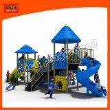 Pequeno parque infantil exterior deslizante de plástico pré-escolar