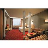4つの星のホテルの家具の寝室の机が付いている親切なサイズのベッド