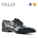 Высокое качество низкое MOQ мужчин моды Croc кожаную обувь