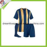 El OEM mantiene la camisa modificada para requisitos particulares los uniformes del fútbol del fútbol de la sublimación para los hombres