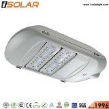 La certificación ISO 110 W de luz vía de la energía solar