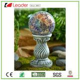 Trendy ZonneBal van de Hars op Standbeeld Coloum voor de Decoratie van de Tuin. Maak Uw Eigen ZonneLicht van het Beeldhouwwerk