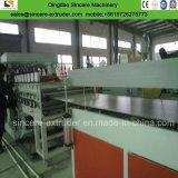 Tarjeta compuesta de madera plástica de la espuma de la corteza del PVC del PE que pela que hace la máquina