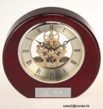 Relógio de mesa de madeira sólida antiga