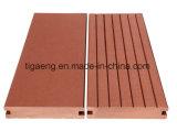 Nouveau bois composite en plastique WPC personnalisés dans les intérieurs et les produits de plein air