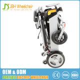 Sedia a rotelle motorizzata di piegatura a pile per i handicappati