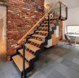 층계 또는 똑바른 계단 또는 유리제 층계를 뜨는 주문을 받아서 만들어진 단 하나 세로 침목 목제 보행
