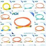 Sc/LC/FC/St/E2000/MTRJ/UM PC/UPC/APC monomode duplex Simplex multimode OM3 Cordon de raccordement mène l'ensemble Câble Cordon de raccordement à fibre optique câble de pontage
