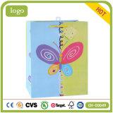 Мешки голубого и зеленого искусствоа подарка цветастой бабочки бумажные