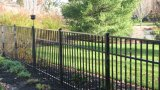 Jardin enduit classique de poudre noire clôturant avec la qualité