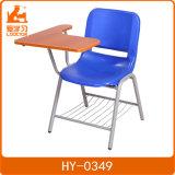 学校、オフィス、大学、トレーニングセンターのためのパッドが付いている執筆椅子