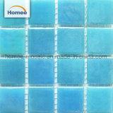 Mattonelle di mosaico di vetro di colore di pavimento della piscina Iridescent blu delle mattonelle