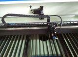 CO2 Laser-Scherblock für Ausschnitt und Stich arbeitet an Nichtmetall