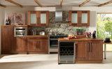 Gabinete de madeira tradicional, armário de cozinha de madeira maciça, armário de cozinha
