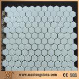 Квадратной плитка мозаики формы шестиугольника белой выкристаллизовыванная поверхностью стеклянная