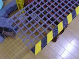 FRP/GRPのガラス繊維階段踏面、スリップ防止踏面、通路、プラットホーム