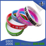 Wristbands di gomma dei braccialetti del silicone stampati abitudine all'ingrosso