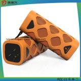 Beweglicher Bluetooth Lautsprecher mit dem eingebauten Mikrofon (orange)