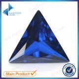 113# 합성 삼각형 파란 첨정석 원석