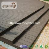 Decking composé de résistance UV de jardin pour le projet extérieur de panneau