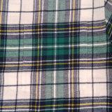 カスタム人のワイシャツの綿の格子縞メンズフランネルの偶然のワイシャツ