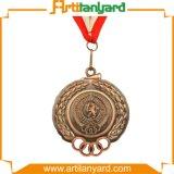 Médaille en métal de modèle de mode avec la couleur antique