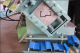 機械を形作る戸枠ロール