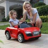 De batterij stelde Rit op Auto voor Kinderen met Afstandsbediening in werking